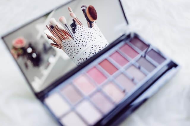 Make Your Own Makeup Kit