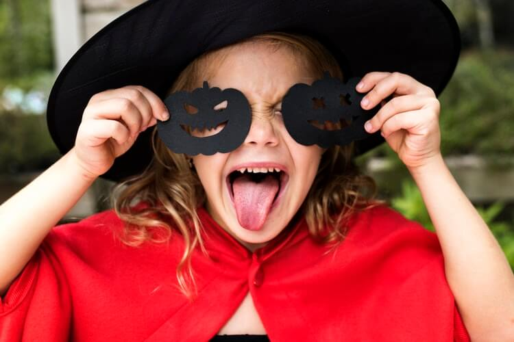 5 Children's Halloween Crafts that can be made with Stuff Around the House
